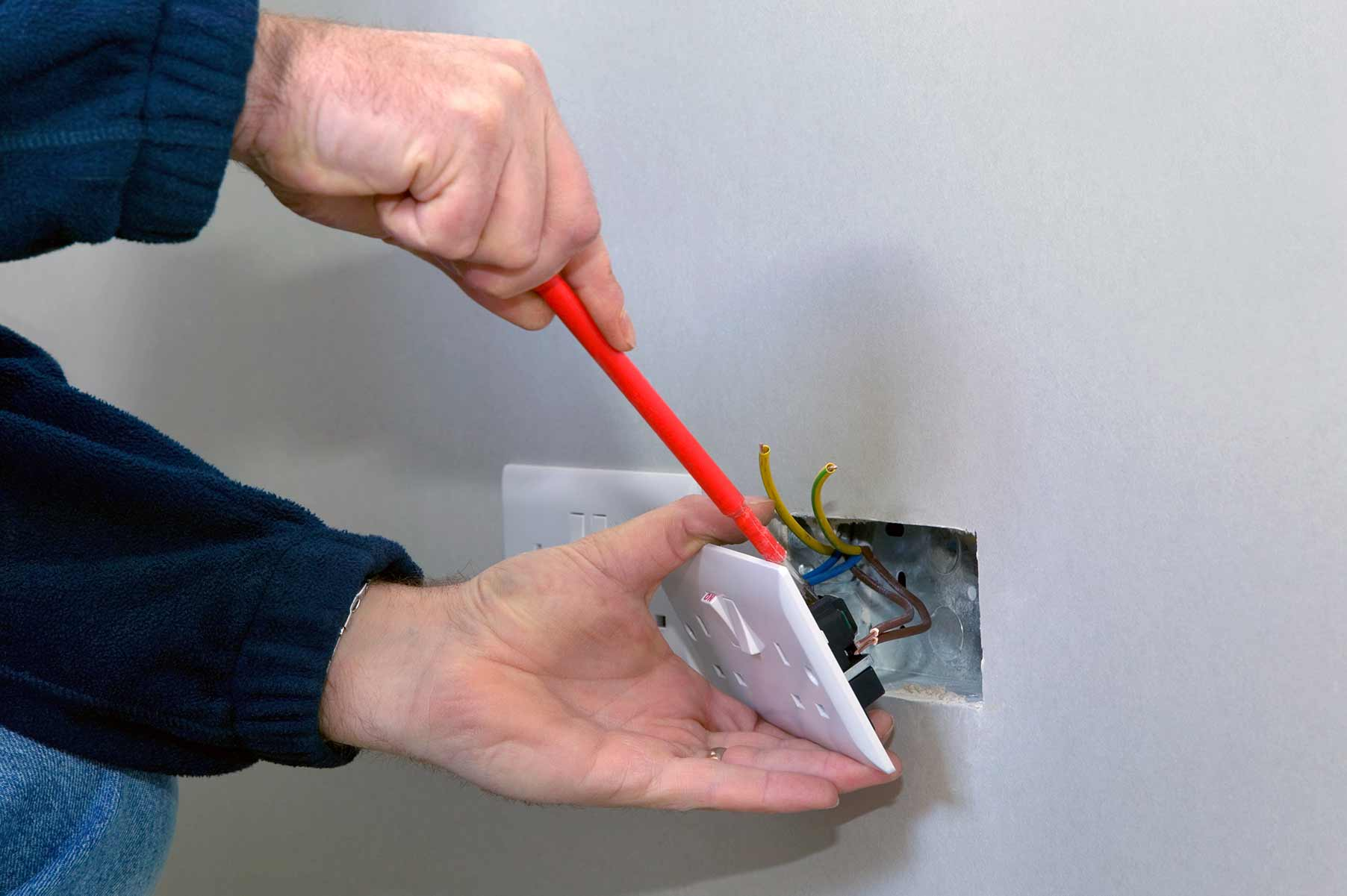 Our electricians can install plug sockets for domestic and commercial proeprties in Herne Hill and the local area.